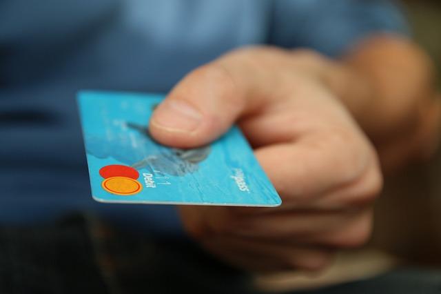 【マネー】謎の多い「プラチナカード」はどうやったら入手できる?