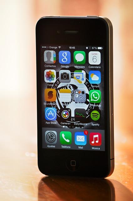 【電子部品】アップルショック直撃、部品メーカー総崩れ各社スマホ依存からの脱却を模索