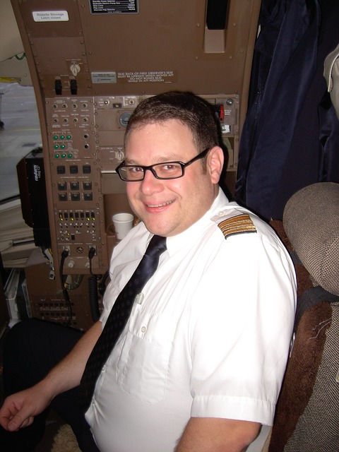 【航空】JALがパイロットの大量離職で給与を大幅アップ