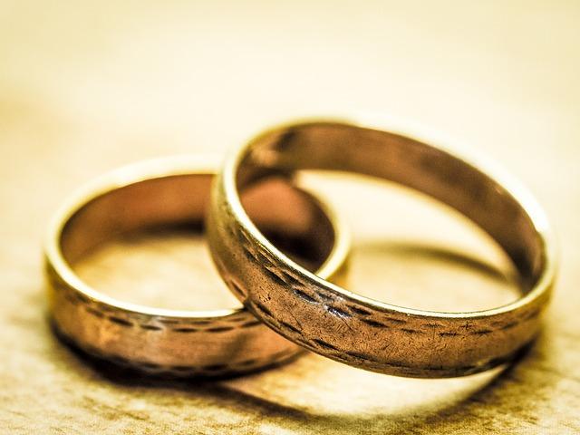【調査】「結婚しよう」と思える世帯年収額は400万円