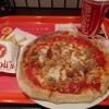【食】たった350円で直径約22cmの本格ピザを提供、激安チェーン急増で宅配ピザに脅威